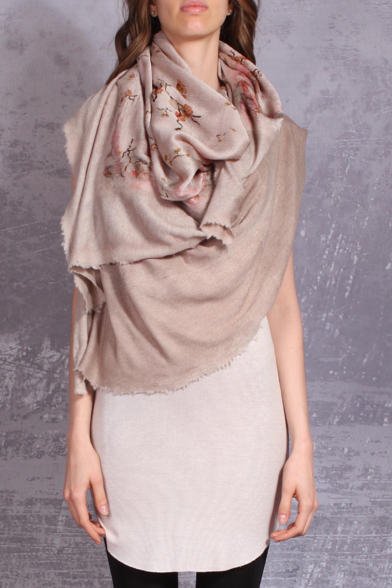 Avant Toi scarf