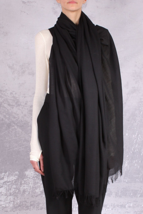 Isabel Benenato scarf