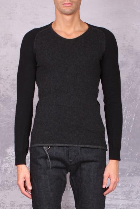 Layer-0 sweater